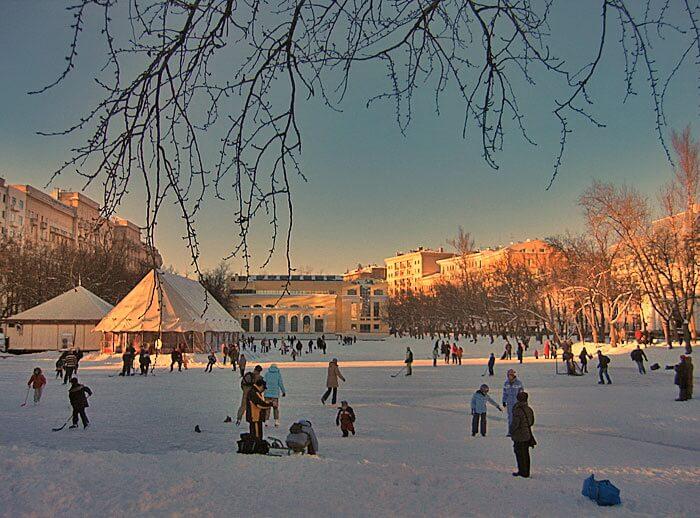 группе бесплатные катки в москве 1 марта 2017 крутиться перед