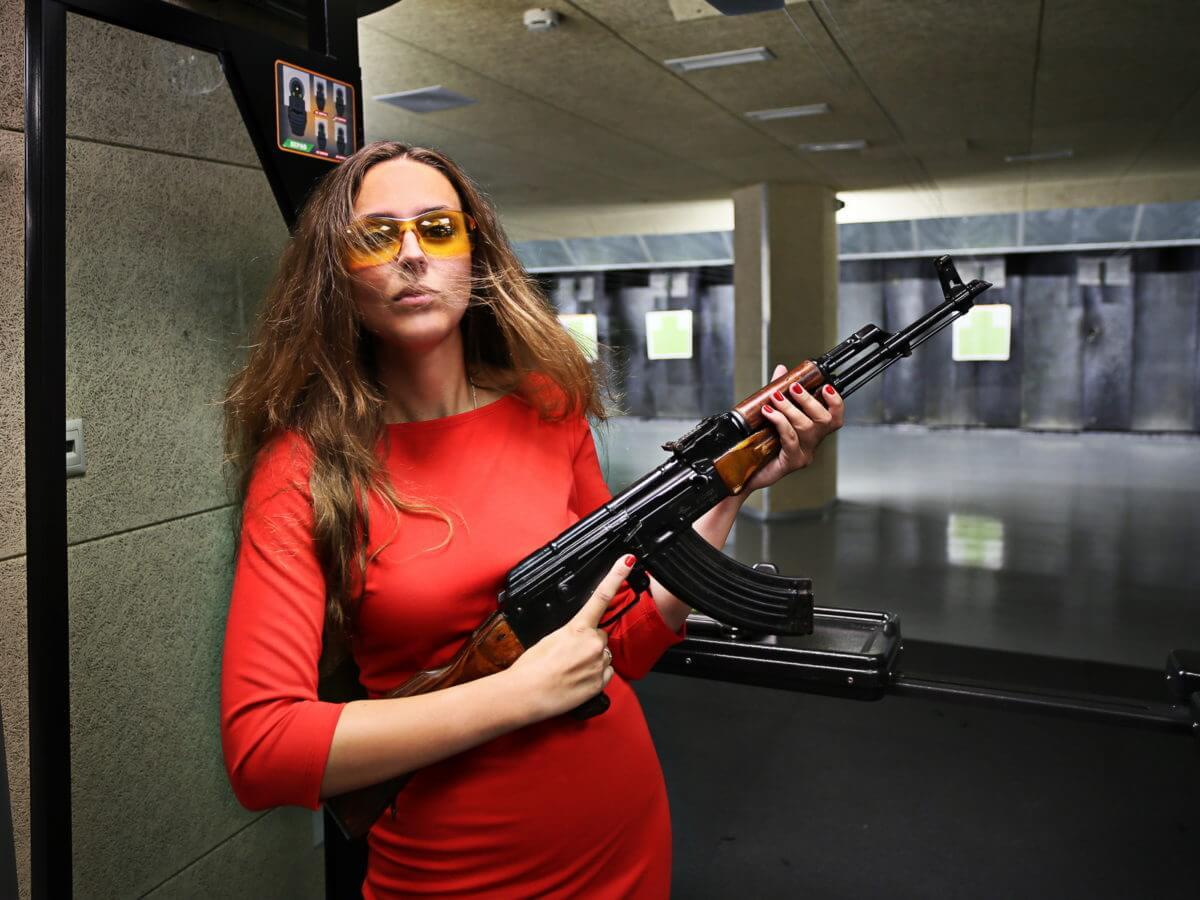 клуб стрельбы из пистолета в москве